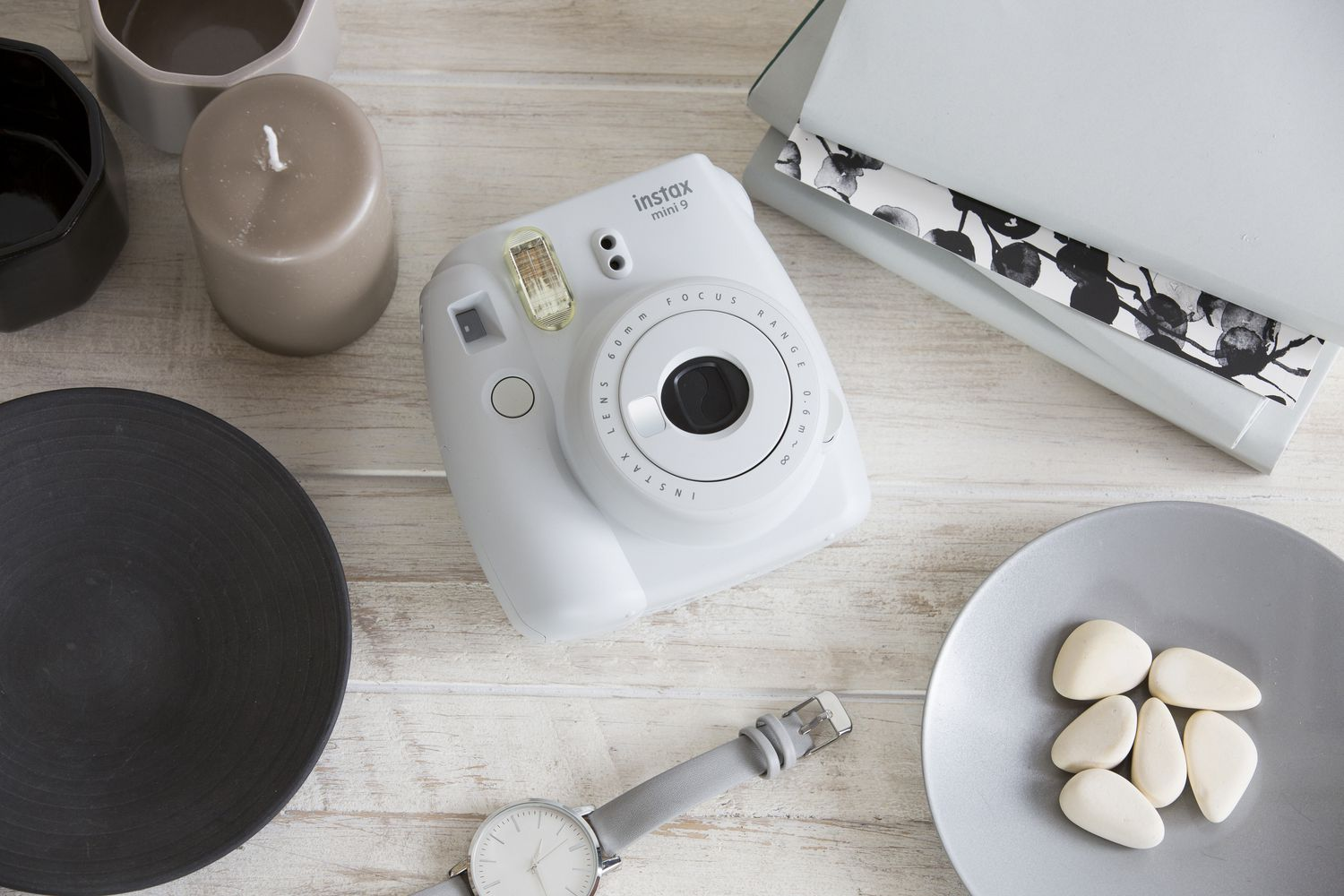 Why getting a fujifilm instax is pointless for Housse instax mini 9